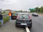 CAOS IN TANGENZIALE - Raffica di incidenti: due auto ribaltate e tre feriti - immagine 18