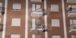 BORGARO - CROLLA IL PONTEGGIO DI UN PALAZZO: ATTIMI DI TERRORE IN VIA INGHILTERRA - FOTO - immagine 12