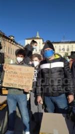 VENARIA - Anche gli studenti dello Juvarra alla lezione di filosofia allaperto di Matteo Saudino FOTO - immagine 13