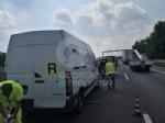 VENARIA-BORGARO - Scontro in tangenziale: tre auto coinvolte, due i feriti - immagine 14