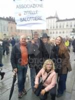 TORINO - In piazza per sostenere la Tav da tutti i Comuni della zona - FOTO - immagine 10