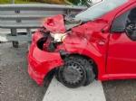 RIVOLI-COLLEGNO - Doppio incidente in tangenziale: auto contro guardrail e tir su una scarpata - immagine 1