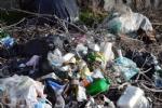 GRUGLIASCO - Grazie alle telecamere scovati 32 «furbetti dei rifiuti» - FOTO - immagine 1