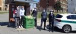 SOLIDARIETA - Uova di Pasqua e colombe donate da pompieri e polizia municipale a ospedali e residenze per anziani - immagine 5