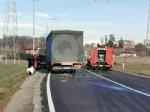 VENARIA - Scontro taxi-camion lungo la provinciale: un ferito FOTO - immagine 1