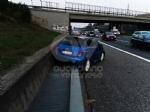 VENARIA - Scontro fra due auto in tangenziale: tre persone ferite - immagine 1