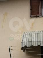 MAPPANO - Idioti nuovamente in azione: lanciate uova contro numerose case - immagine 1