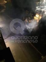 BORGARO - Incendio nella notte: distrutti i bidoni della raccolta differenziata - immagine 1