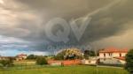 MALTEMPO - Nubifragio in zona: raffiche di vento, pioggia e grandine - immagine 1
