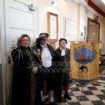 CARNEVALE A VENARIA - Consegnate le chiavi della città al Lucio dla Venaria e alla Castellana - immagine 1