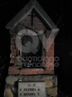 CRONACA - Ordinanza non rispettata: cassonetti esplosi e distrutta la statua della Madonna - immagine 5