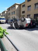 VENARIA - Si ribalta con lauto tra via Barbi Cinti e corso Matteotti: ferite madre e figlia - immagine 1