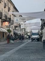 VENARIA - Il centro città set del film «Corro da te» con Pierfrancesco Favino e Miriam Leone FOTO - immagine 1