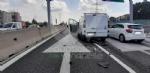 RIVOLI - Due mezzi si scontrano in tangenziale: un ferito e caos per quasi unora - immagine 1
