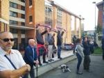 RIVOLI - Laddio a Massimiliano Pirrazzo: una folla commossa in chiesa per lultimo saluto - FOTO - immagine 14