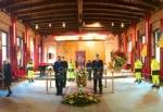 RIVOLI - Laddio a Massimiliano Pirrazzo: una folla commossa in chiesa per lultimo saluto - FOTO - immagine 1
