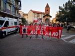 """ALPIGNANO/RIVOLI - Oltre 200 alla fiaccolata per ricordare Michele Ruffino e dire """"no"""" al bullismo - immagine 1"""