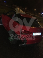 INCIDENTE IN TANGENZIALE - Maxi scontro tra cinque auto: sei persone ferite - FOTO - immagine 1