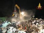 SAVONERA - Incendio alla «Green Up»: rifiuti bruciati dalle fiamme - immagine 1