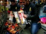 GRUGLIASCO - Sequestrati abiti da carnevale, giocattoli e trucchi potenzialmente pericolosi - immagine 1