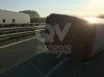 RIVOLI - Furgone si ribalta allimprovviso in autostrada: ferito il conducente - immagine 1
