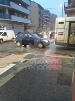 COLLEGNO-TORINO - Ancora un incendio al campo nomadi di strada della Berlia: traffico in tilt - immagine 1
