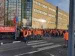 VENARIA - I lavoratori della Schneider in sciopero: 18 dipendenti in esubero - immagine 1