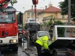 VENARIA - Perde il controllo dellauto e sinfila sotto unaltra parcheggiata: donna in ospedale - immagine 1