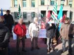 VENARIA - Protesta dei sindacati sotto il municipio: «Sui trasporti per il nuovo polo sanitario intervengano Regione e Prefetto» - immagine 1