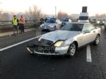 COLLEGNO - Tre mezzi si scontrano in tangenziale: un ferito e traffico paralizzato - immagine 1