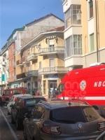 VENARIA - Fuga di gas in via IV Novembre: tecnici e vigili del fuoco in azione, traffico deviato - immagine 1