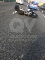 COLLEGNO-SAVONERA-VENARIA - Incidente in tangenziale. Scontro auto-moto: grave centauro - immagine 1
