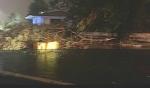 MALTEMPO - Furgone colpito da un albero in tangenziale: donna ferita. Forti danni in diverse cittadine - immagine 1