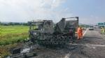 RIVOLI  - Il camioncino va a fuoco, la tangenziale in tilt: code chilometriche - immagine 1