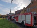 CASELLE - Brucia il tetto di una palazzina in via Cristoforo Colombo - immagine 1