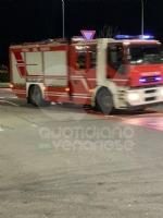 CASELLE - Principio di incendio: evacuato il Bennet FOTO - immagine 1