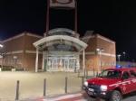 CASELLE - Notte di lavoro per i pompieri: sanificati gli esterni di negozi, studi medici, farmacie e supermercati - immagine 1