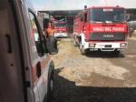 BORGARO - Incendio cascinale: proseguiranno fino a notte fonda le operazioni di messa in sicurezza - immagine 1