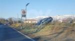 DRUENTO - Ennesimo incidente lungo la provinciale: auto finisce fuori strada - immagine 1