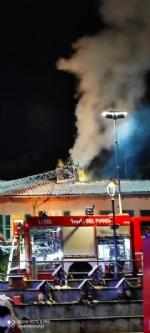 FIANO - Il camino va a fuoco: paura in unabitazione vicino alla piazza - FOTO - immagine 1