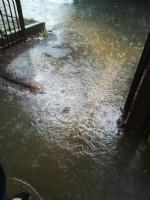 MALTEMPO - Violento acquazzone in tutta la zona: strade impraticabili. Disagi anche in tangenziale - immagine 1