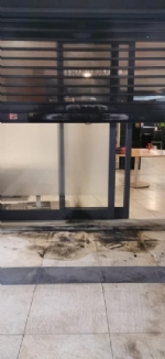 RIVOLI - Dopo laggressione verbale ai titolari, incendiato e vandalizzato il ristorante «King» - immagine 1