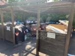 RIVOLI - La gru è in mezzo a via Frejus: forti disagi per la raccolta dei rifiuti - immagine 1
