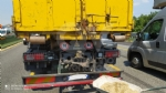 COLLEGNO - Tamponamento fra due mezzi pesanti in tangenziale: code ma nessun ferito - immagine 1