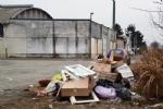 GRUGLIASCO - Grazie alle telecamere scovati 32 «furbetti dei rifiuti» - FOTO - immagine 22