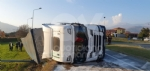 MATHI - Paura in via Torino: tir si ribalta alluscita dalla rotatoria. Autista illeso - immagine 2