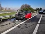 COLLEGNO - Auto prende fuoco durante la marcia sulla Tangenziale - VIDEO - immagine 2