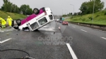 VENARIA REALE - Brutto incidente, tangenziale nord di Torino in tilt: due feriti al Maria Vittoria - FOTO - immagine 2