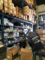 RIVOLI-PIANEZZA - Maxi sequestro di prodotti medici, sanitari e giocattoli: FOTO - immagine 2