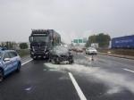 INCIDENTE IN TANGENZIALE - Due auto si scontrano per colpa della pioggia: un ferito - immagine 2